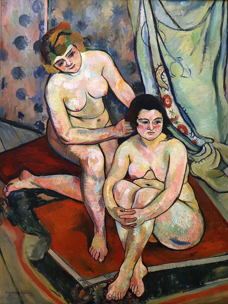 Image: Suzanne Valadon, Les Baigneuses, 1923. An oil painting on canvas depicts a naked woman helping another naked woman wash her hair.