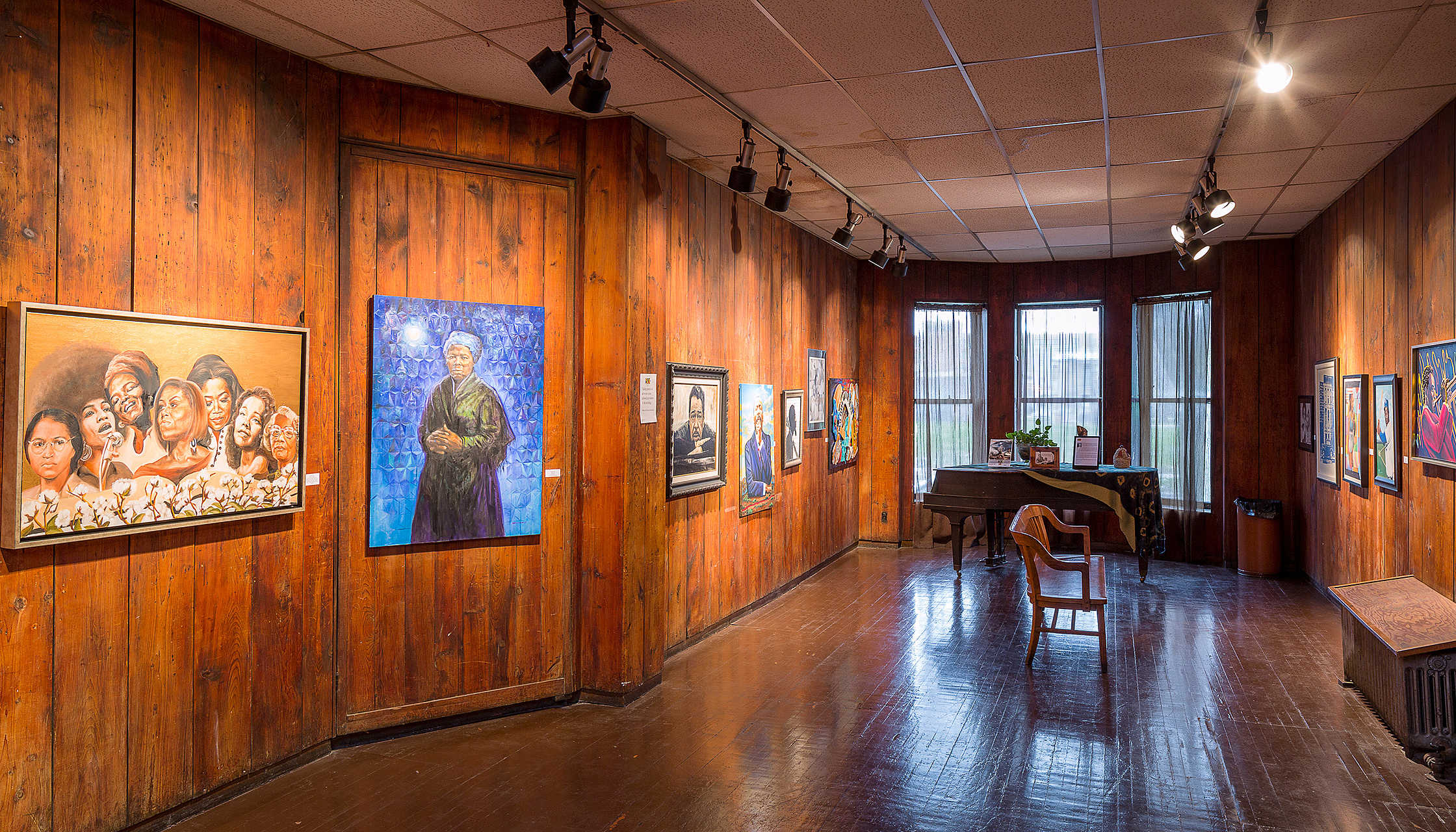 Featured image: A view of the Dr. Margaret S. Burroughs gallery, which will benefit from Raise It Up! (December 5 & 6), a fundraiser driven by the Chicago Printers Guild in support of the South Side Community Art Center. Photo by Jacob Hand for the national trust for historic preservation.